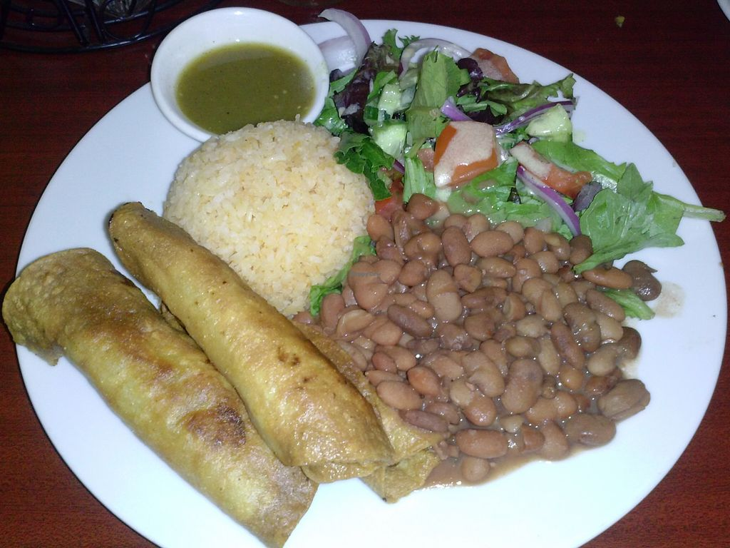 """Photo of un solo sol  by <a href=""""/members/profile/Sonja%20and%20Dirk"""">Sonja and Dirk</a> <br/>potato taquito platter <br/> August 10, 2015  - <a href='/contact/abuse/image/55390/113036'>Report</a>"""