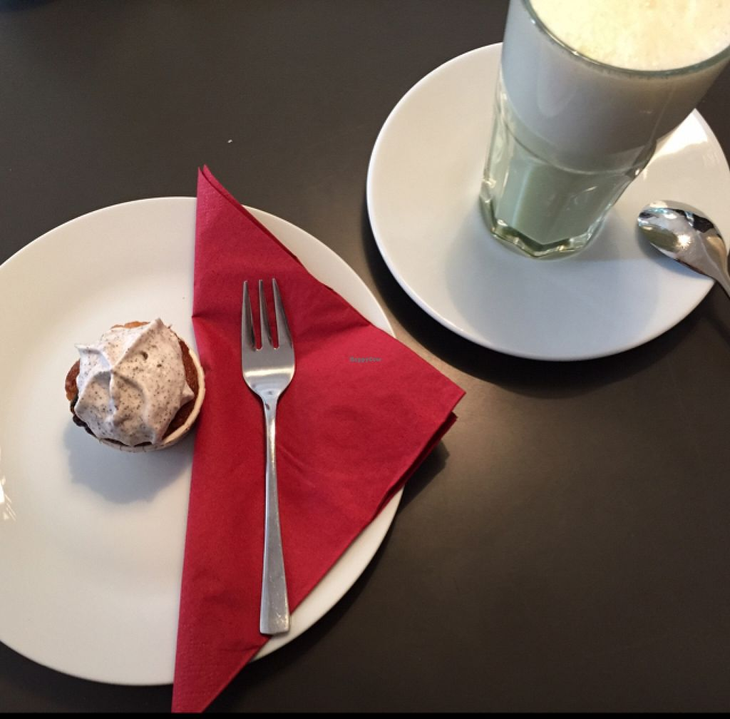"""Photo of Holy Kitchen  by <a href=""""/members/profile/MO.MARIEL"""">MO.MARIEL</a> <br/>Oreo-cupcake and matcha-latte <br/> October 7, 2015  - <a href='/contact/abuse/image/55404/120614'>Report</a>"""