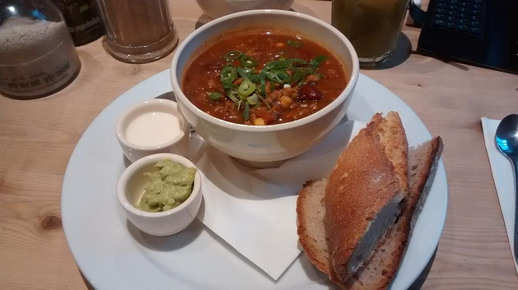 "Photo of Le Pain Quotidien - Charonne  by <a href=""/members/profile/Ricardo"">Ricardo</a> <br/>Chili sin carne (vegan) <br/> February 7, 2015  - <a href='/contact/abuse/image/55498/92535'>Report</a>"
