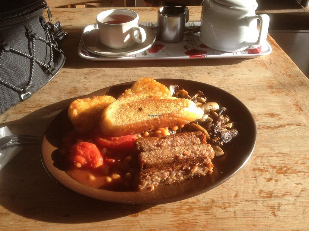 "Photo of Charlie's Cafe Bar  by <a href=""/members/profile/HungryBiker"">HungryBiker</a> <br/>That's what a vegan breakfast should look like  <br/> February 14, 2015  - <a href='/contact/abuse/image/55552/92991'>Report</a>"