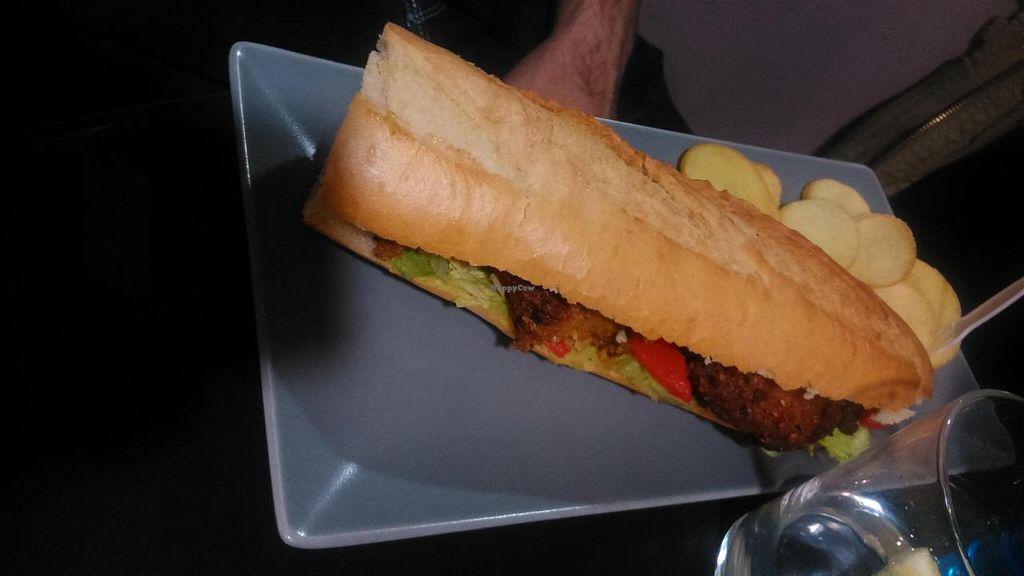 """Photo of Pentagrama  by <a href=""""/members/profile/Meibluemoon"""">Meibluemoon</a> <br/>Vegan oat burguer with tomato, lettuce and guacamole <br/> April 14, 2015  - <a href='/contact/abuse/image/55606/99011'>Report</a>"""