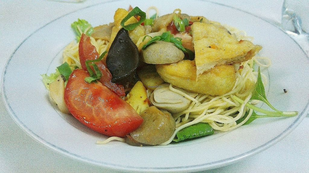 """Photo of Thien Phu  by <a href=""""/members/profile/KaisaKoo"""">KaisaKoo</a> <br/>Fried vegetable noodle 30k <br/> January 29, 2018  - <a href='/contact/abuse/image/55660/352281'>Report</a>"""