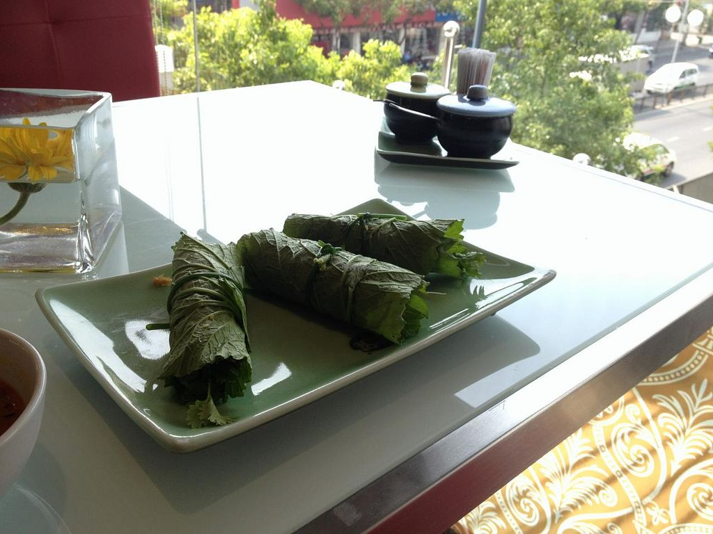 """Photo of Mon Hue  by <a href=""""/members/profile/Kimxula"""">Kimxula</a> <br/>Fresh spring rolls at Mon Hue <br/> May 31, 2015  - <a href='/contact/abuse/image/55702/104256'>Report</a>"""