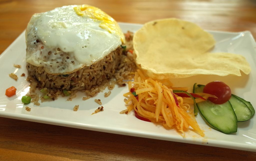 """Photo of CLOSED: D'life - Commonwealth  by <a href=""""/members/profile/ouikouik"""">ouikouik</a> <br/>signature fried rice (vegan option available) <br/> October 3, 2015  - <a href='/contact/abuse/image/55733/119953'>Report</a>"""