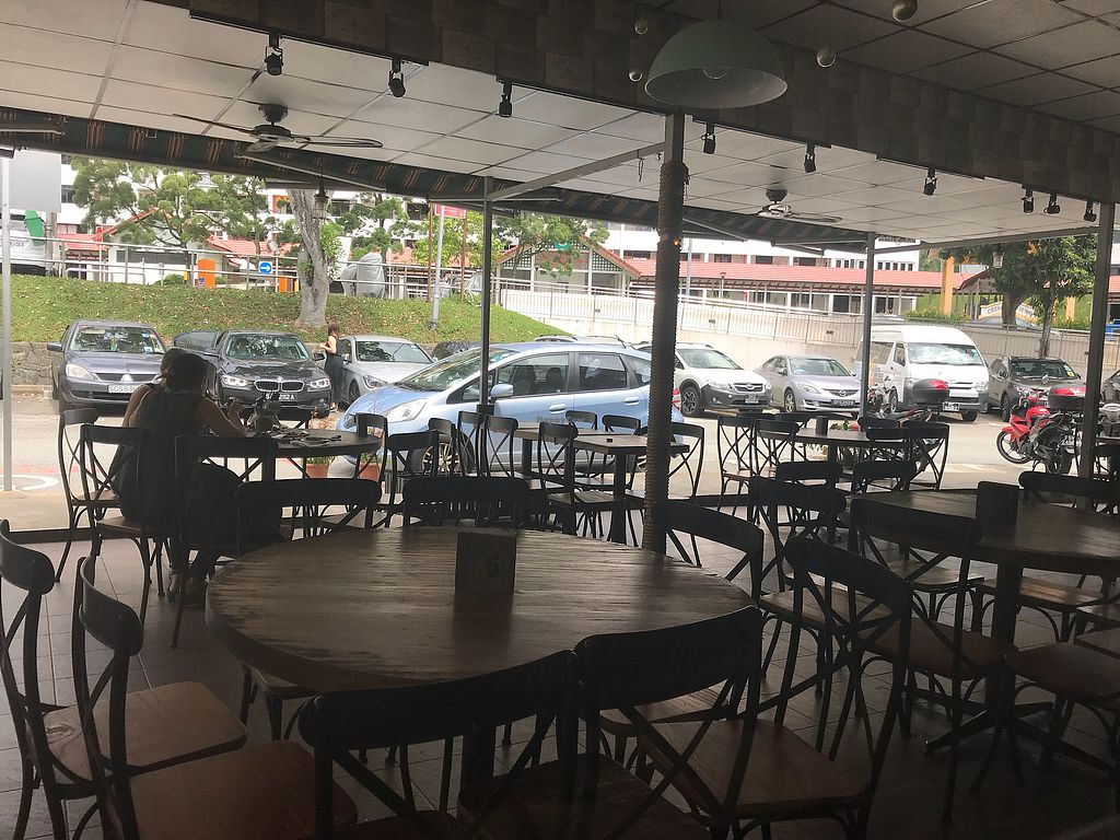 """Photo of CLOSED: D'life - Commonwealth  by <a href=""""/members/profile/vichinol"""">vichinol</a> <br/>Outside tables <br/> December 10, 2017  - <a href='/contact/abuse/image/55733/334164'>Report</a>"""