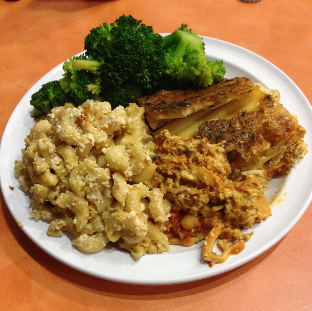 """Photo of NuVegan Cafe  by <a href=""""/members/profile/Martinamcl1"""">Martinamcl1</a> <br/>Mac n cheese & vegan lasagna & broccoli  <br/> March 21, 2015  - <a href='/contact/abuse/image/55774/96494'>Report</a>"""