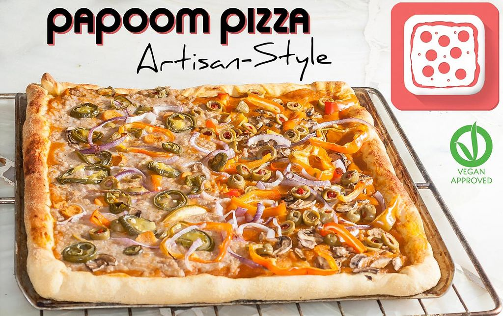 """Photo of Papoom Pizza - Home Kitchen  by <a href=""""/members/profile/PapoomPizza"""">PapoomPizza</a> <br/>Pan Artesanal Queso vegano hecho en casa Salsa Orgánica  Carnes Veganas Vegetales frescos  PÍDALA AL 0992616120 via whatsapp   Pizza personal 4 pedazos Pizza familiar 16 pedazos <br/> February 22, 2015  - <a href='/contact/abuse/image/55779/93686'>Report</a>"""