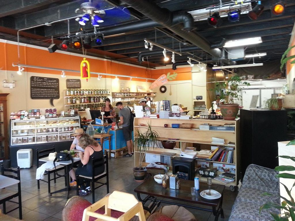 """Photo of Eternal Abundance Organic Market & Cafe  by <a href=""""/members/profile/eric"""">eric</a> <br/>inside space <br/> July 28, 2014  - <a href='/contact/abuse/image/5579/75302'>Report</a>"""