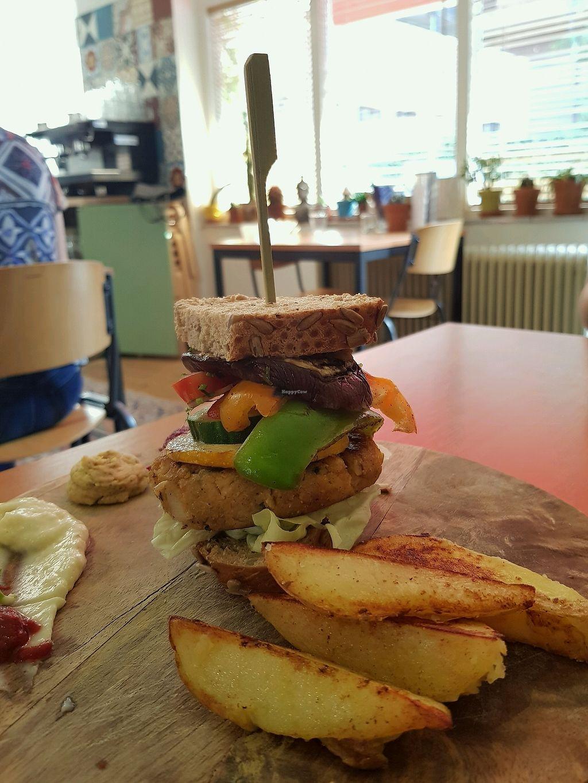 "Photo of Bindi Cafe  by <a href=""/members/profile/MartaMutti"">MartaMutti</a> <br/>Lekker gegeten !!! <br/> August 29, 2017  - <a href='/contact/abuse/image/55809/298669'>Report</a>"