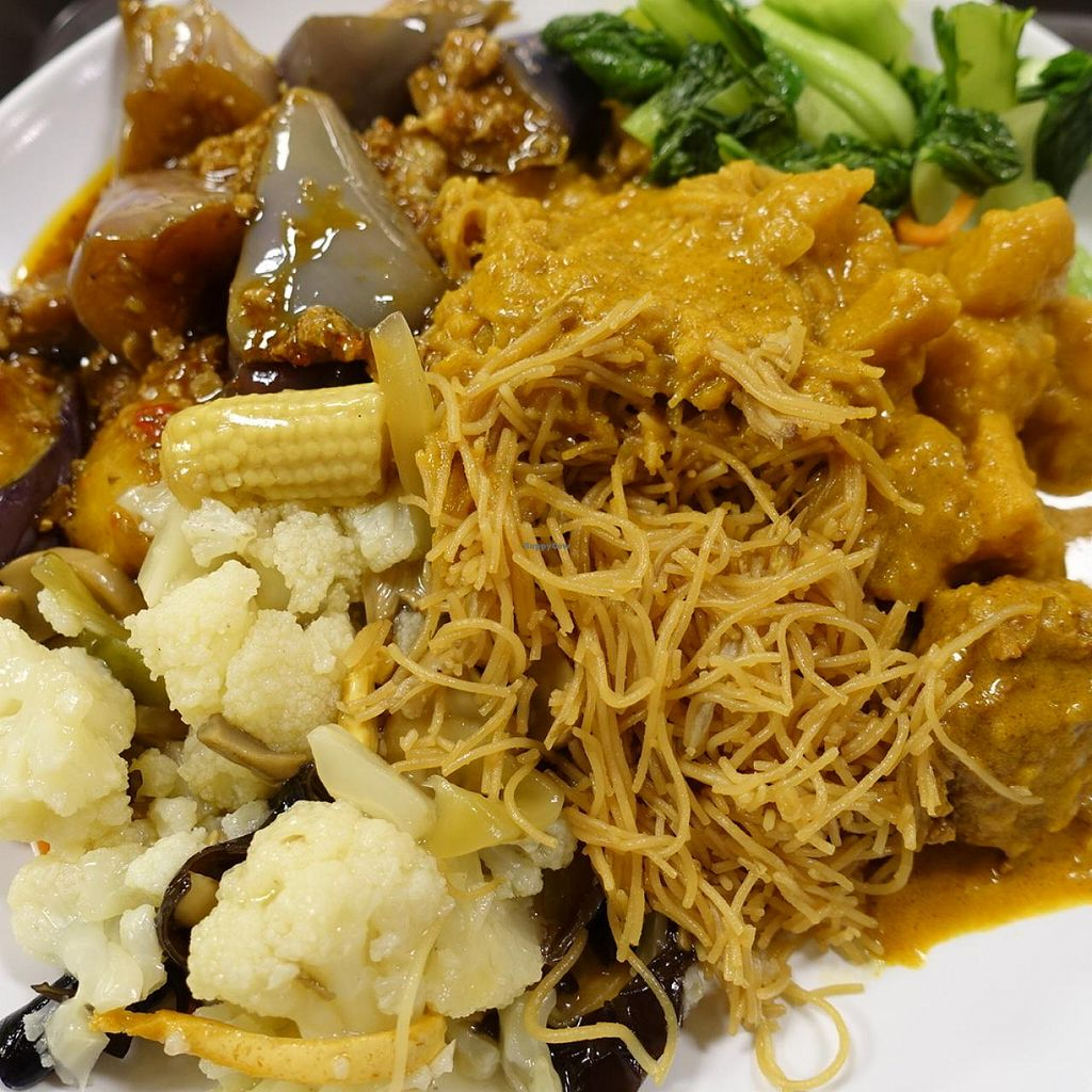 """Photo of Five Insights Hall  by <a href=""""/members/profile/JimmySeah"""">JimmySeah</a> <br/>bee hoon with 4 vege dishes <br/> February 23, 2015  - <a href='/contact/abuse/image/55906/93944'>Report</a>"""