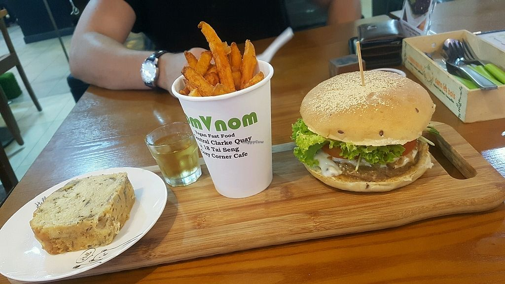 """Photo of NomVnom - Clarke Quay  by <a href=""""/members/profile/Lizzylodge"""">Lizzylodge</a> <br/>King Mushroom head burger combo!  <br/> December 30, 2017  - <a href='/contact/abuse/image/55908/340736'>Report</a>"""