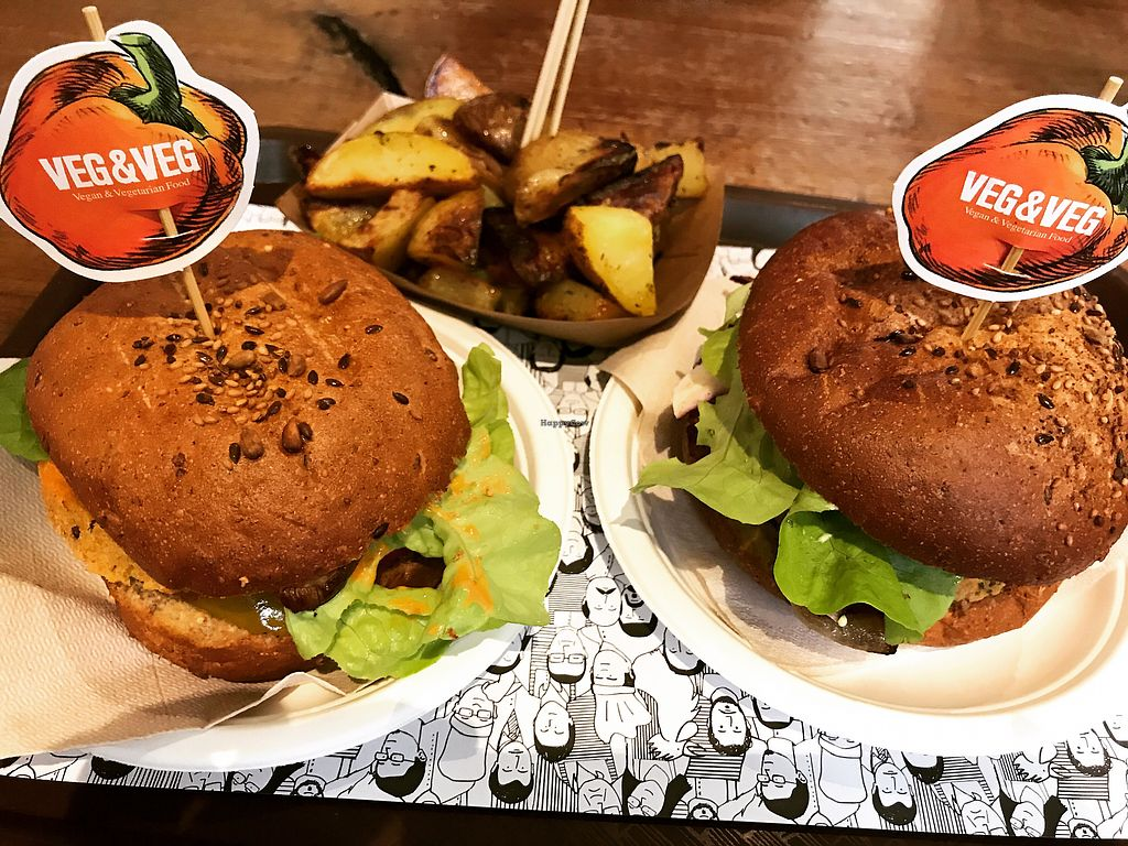 """Photo of Veg and Veg  by <a href=""""/members/profile/Gioia_vegana"""">Gioia_vegana</a> <br/>Heaven between two buns <br/> December 30, 2017  - <a href='/contact/abuse/image/55938/340801'>Report</a>"""