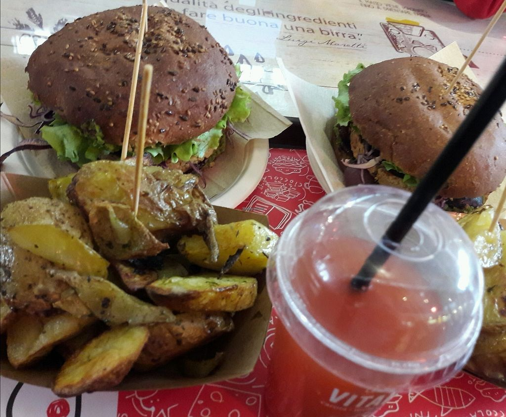 """Photo of Veg and Veg  by <a href=""""/members/profile/boneless"""">boneless</a> <br/>Popeye burger,potatoes and fresh juice <br/> March 9, 2018  - <a href='/contact/abuse/image/55938/368496'>Report</a>"""
