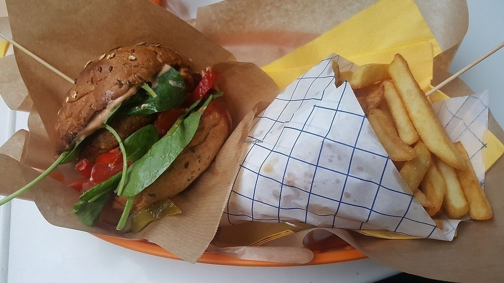 """Photo of Mango Vegan Street Food - Bracka  by <a href=""""/members/profile/TheTravellingVegan"""">TheTravellingVegan</a> <br/>arabic burger. has spinich, tomatoes, red pepper, pickles and onions <br/> June 22, 2017  - <a href='/contact/abuse/image/56119/272413'>Report</a>"""