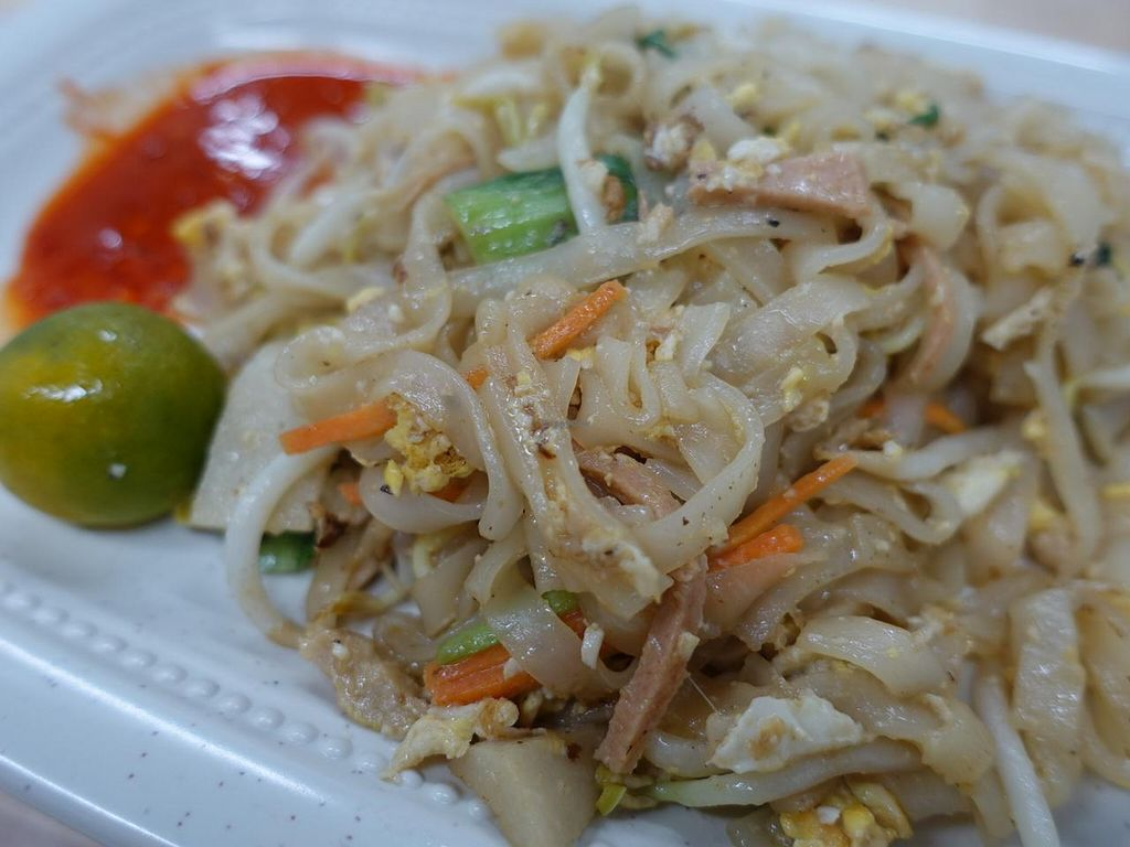 """Photo of CLOSED: Jadeite Vegetarian  by <a href=""""/members/profile/JimmySeah"""">JimmySeah</a> <br/>penang fried kway teow <br/> March 3, 2015  - <a href='/contact/abuse/image/56176/94761'>Report</a>"""