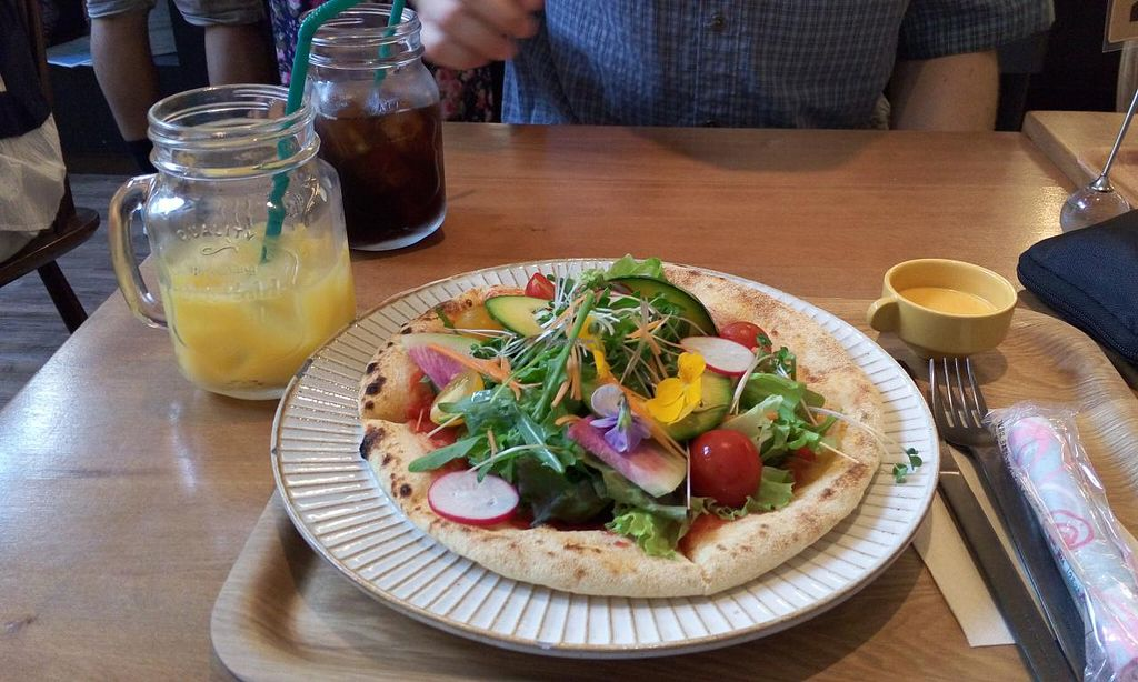 """Photo of Sekai Cafe - Asakusa  by <a href=""""/members/profile/DanielH"""">DanielH</a> <br/>fresh vegetables pizza <br/> June 6, 2015  - <a href='/contact/abuse/image/56252/104929'>Report</a>"""