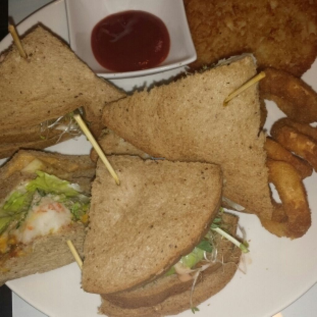 "Photo of Ye Shu Vegan Brunch Spaghetti House  by <a href=""/members/profile/cherryblossom153"">cherryblossom153</a> <br/>耶疏 sandwich, hash brown and squid rings <br/> October 25, 2015  - <a href='/contact/abuse/image/56306/122610'>Report</a>"