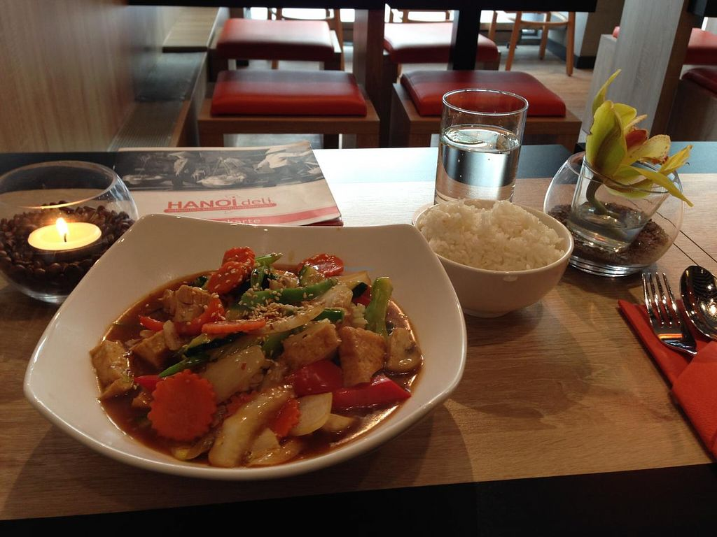 "Photo of HanoiDeli  by <a href=""/members/profile/Pamina"">Pamina</a> <br/>HanoiDeli, Hamburg <br/> March 10, 2015  - <a href='/contact/abuse/image/56353/95390'>Report</a>"