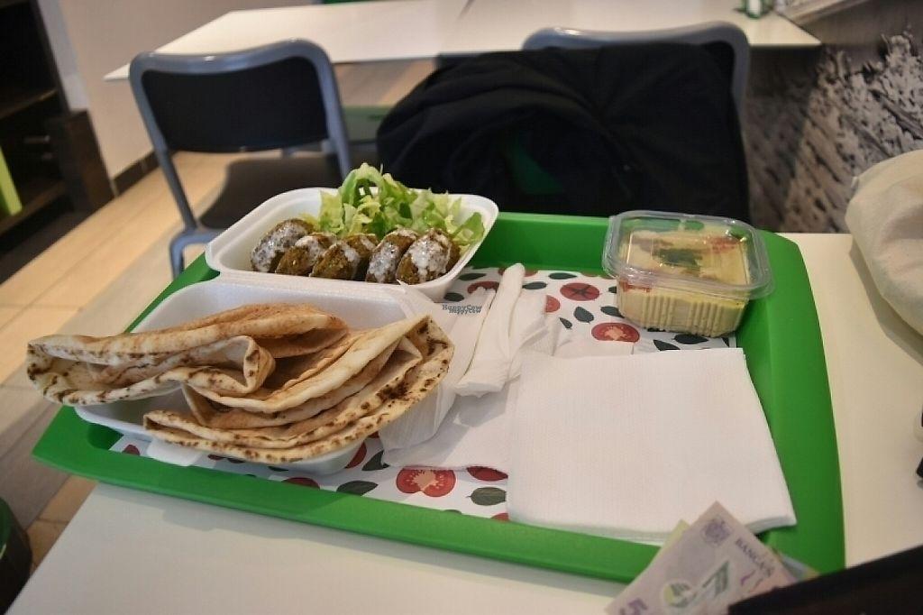"Photo of Super Falafel - Balcescu  by <a href=""/members/profile/Jnnkbln"">Jnnkbln</a> <br/>Arabic bread, falafel balls, salad, humus +2 drinks was 32 lei <br/> March 2, 2017  - <a href='/contact/abuse/image/56402/231913'>Report</a>"