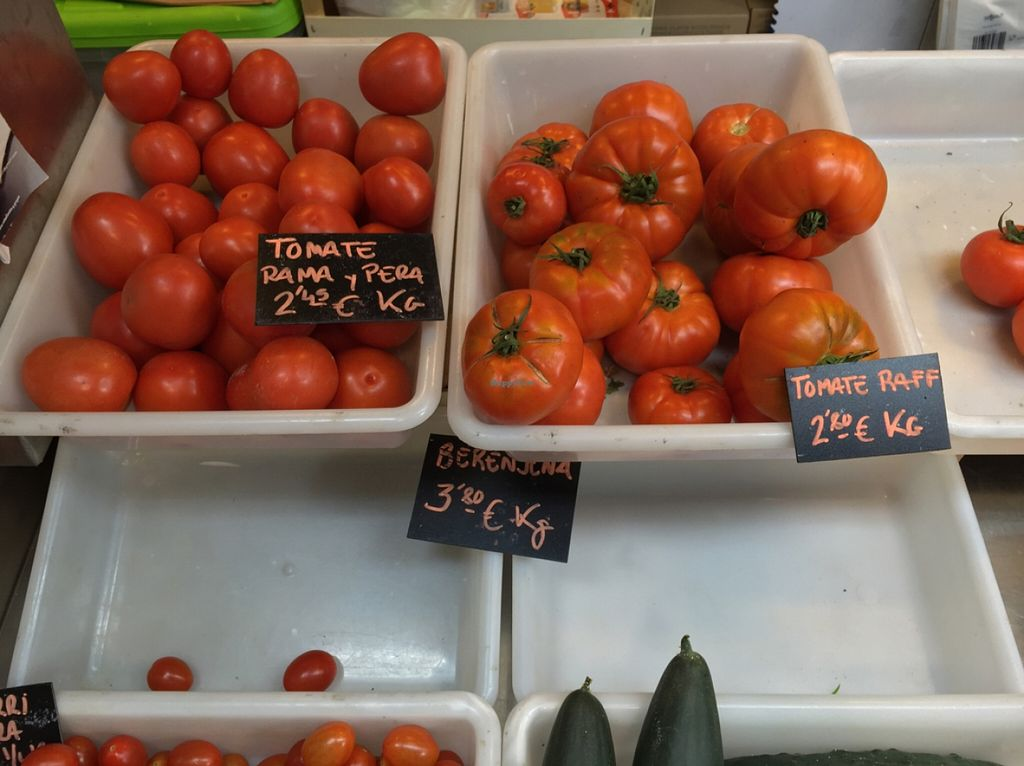 """Photo of La Caracola  by <a href=""""/members/profile/MyVeganJoy"""">MyVeganJoy</a> <br/>fresh organic produce and vegan products <br/> February 7, 2016  - <a href='/contact/abuse/image/56527/135381'>Report</a>"""