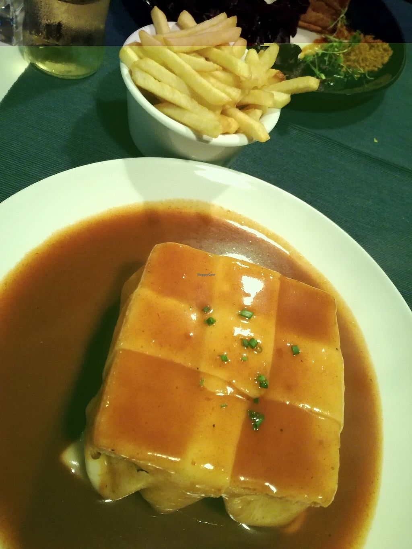 "Photo of Lupin Restaurante Vegetariano  by <a href=""/members/profile/NatachaDeSousa"">NatachaDeSousa</a> <br/>francesinha a lupin <br/> November 14, 2017  - <a href='/contact/abuse/image/56547/325687'>Report</a>"
