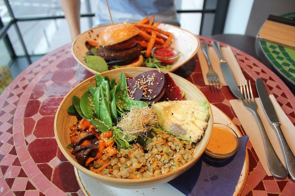 """Photo of VEVAY  by <a href=""""/members/profile/jungsiah"""">jungsiah</a> <br/>Burger and energy bowl <br/> November 14, 2017  - <a href='/contact/abuse/image/56576/325604'>Report</a>"""