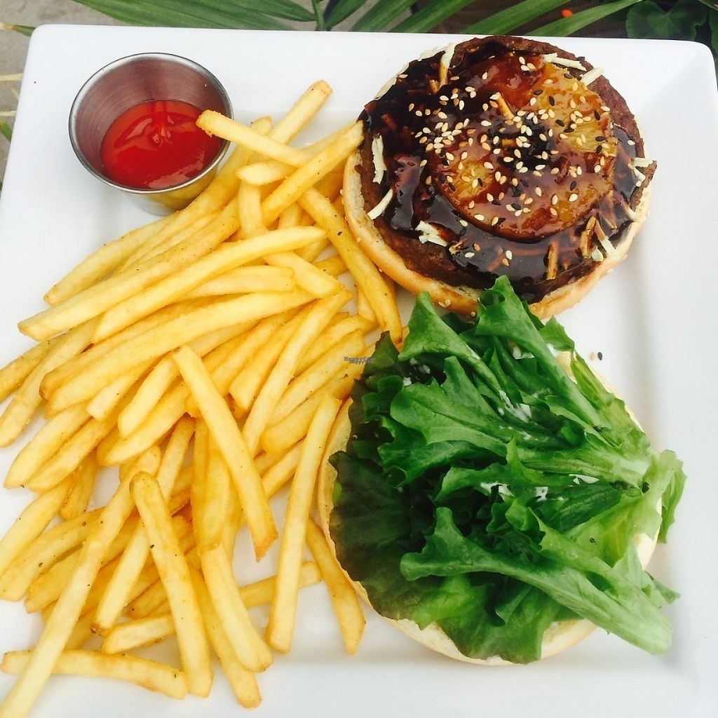 """Photo of Naked Cafe  by <a href=""""/members/profile/veggiedawwg"""">veggiedawwg</a> <br/>Hula burger  <br/> January 2, 2017  - <a href='/contact/abuse/image/56625/207028'>Report</a>"""