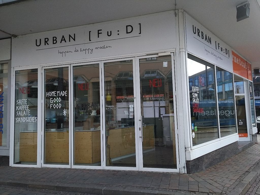 """Photo of CLOSED: Urban Fu:D  by <a href=""""/members/profile/Ryecatcher"""">Ryecatcher</a> <br/>new location. outside <br/> March 7, 2017  - <a href='/contact/abuse/image/56654/233986'>Report</a>"""