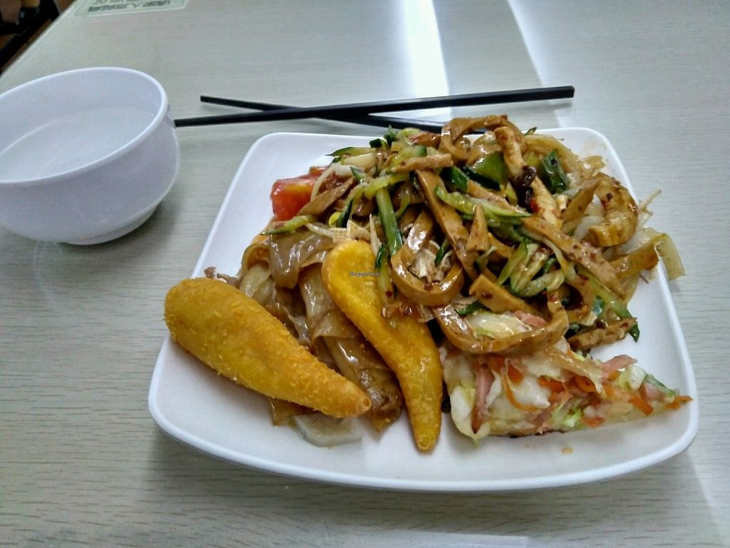 """Photo of Wen Xing Vegetarian - Shatai S Road  by <a href=""""/members/profile/JackTanner"""">JackTanner</a> <br/>typical plate  <br/> December 20, 2017  - <a href='/contact/abuse/image/56706/337443'>Report</a>"""