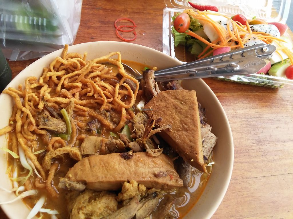 "Photo of Veg Food Stall  by <a href=""/members/profile/enwy"">enwy</a> <br/>khao soi + fruit salad  <br/> August 12, 2015  - <a href='/contact/abuse/image/56785/113273'>Report</a>"
