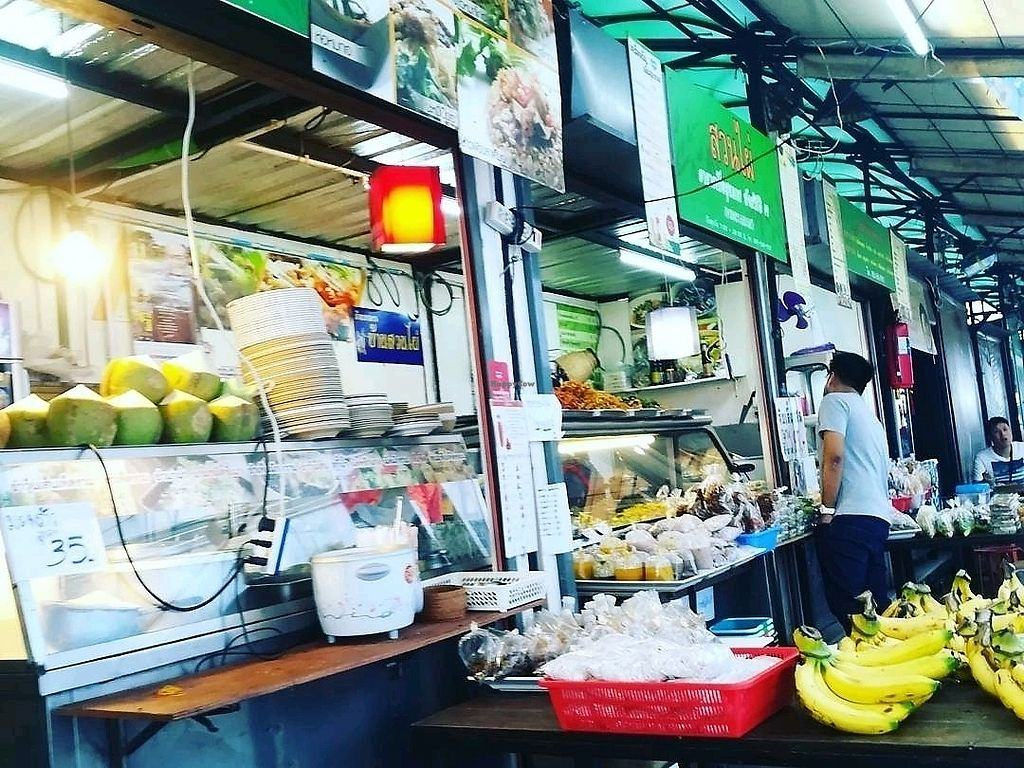 "Photo of Veg Food Stall  by <a href=""/members/profile/DexterLiong"">DexterLiong</a> <br/>The food stall <br/> January 14, 2018  - <a href='/contact/abuse/image/56785/346442'>Report</a>"