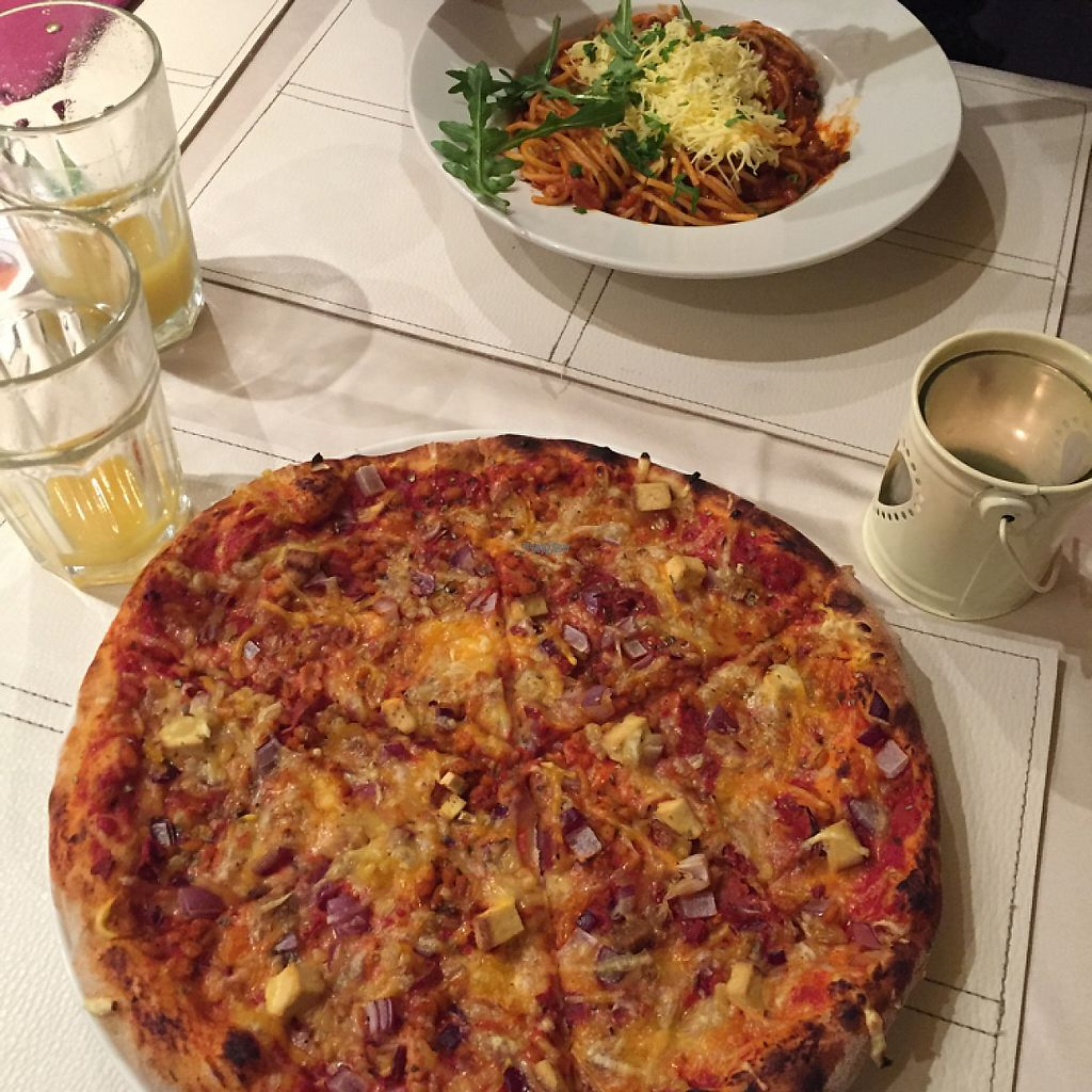 """Photo of CLOSED: Napfenyes Bistro  by <a href=""""/members/profile/LottyG"""">LottyG</a> <br/>The pizza was heaven!  <br/> March 14, 2017  - <a href='/contact/abuse/image/56837/236444'>Report</a>"""