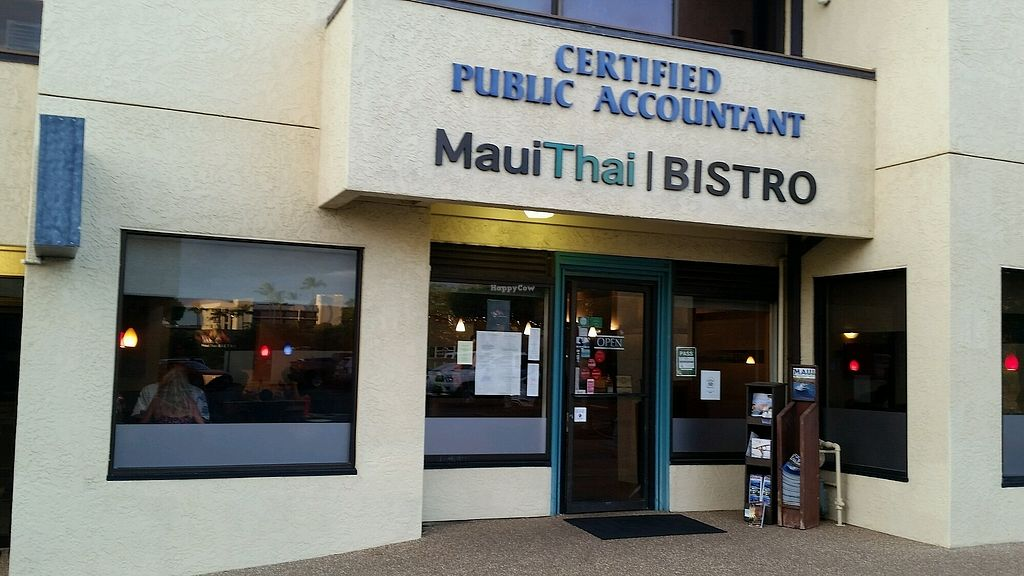 """Photo of Maui Thai  by <a href=""""/members/profile/eric"""">eric</a> <br/>outside <br/> August 8, 2017  - <a href='/contact/abuse/image/56895/290323'>Report</a>"""