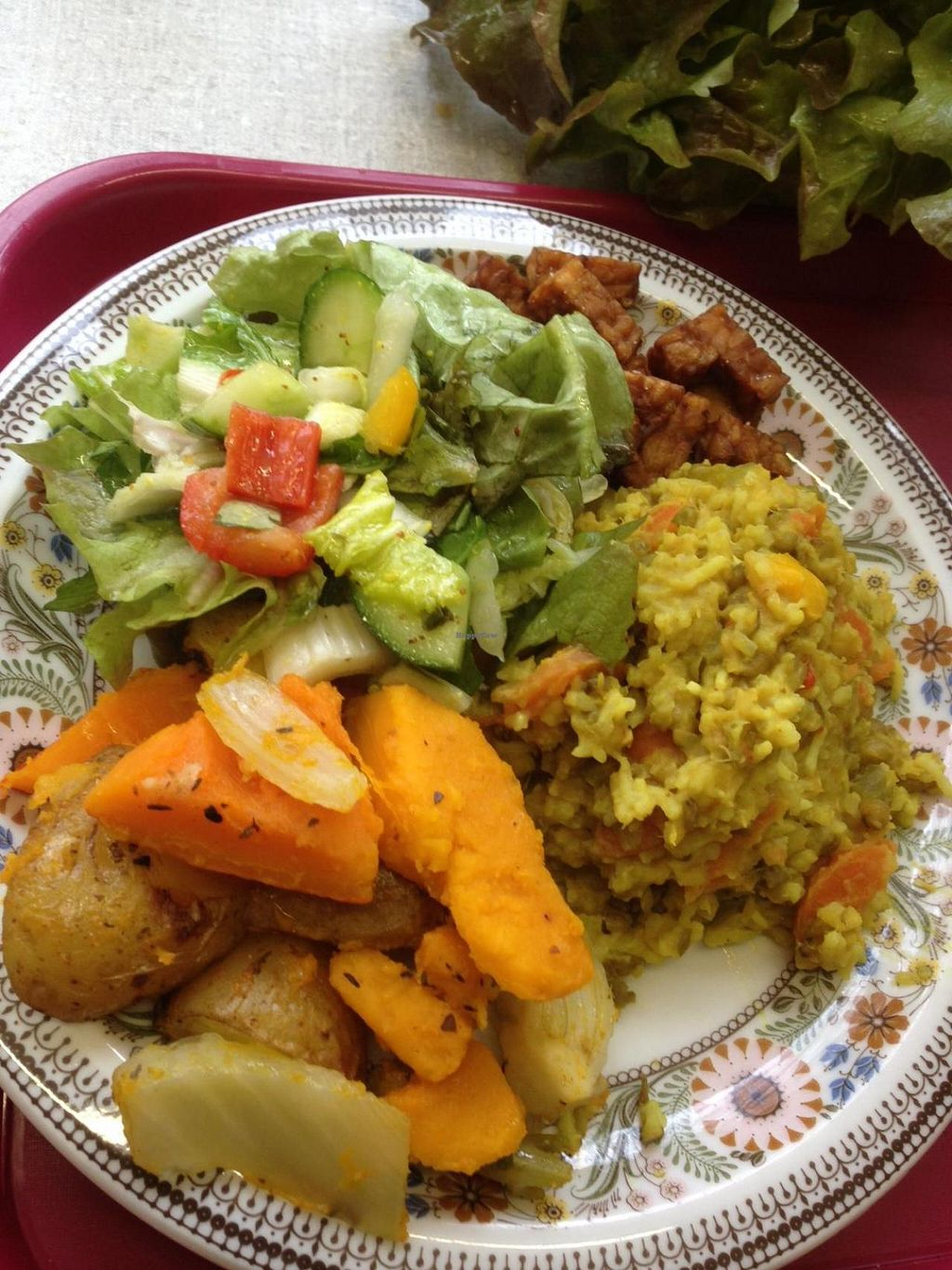 """Photo of Daily Delicious  by <a href=""""/members/profile/DailyDelicious"""">DailyDelicious</a> <br/>catering service  <br/> March 28, 2015  - <a href='/contact/abuse/image/56959/97209'>Report</a>"""