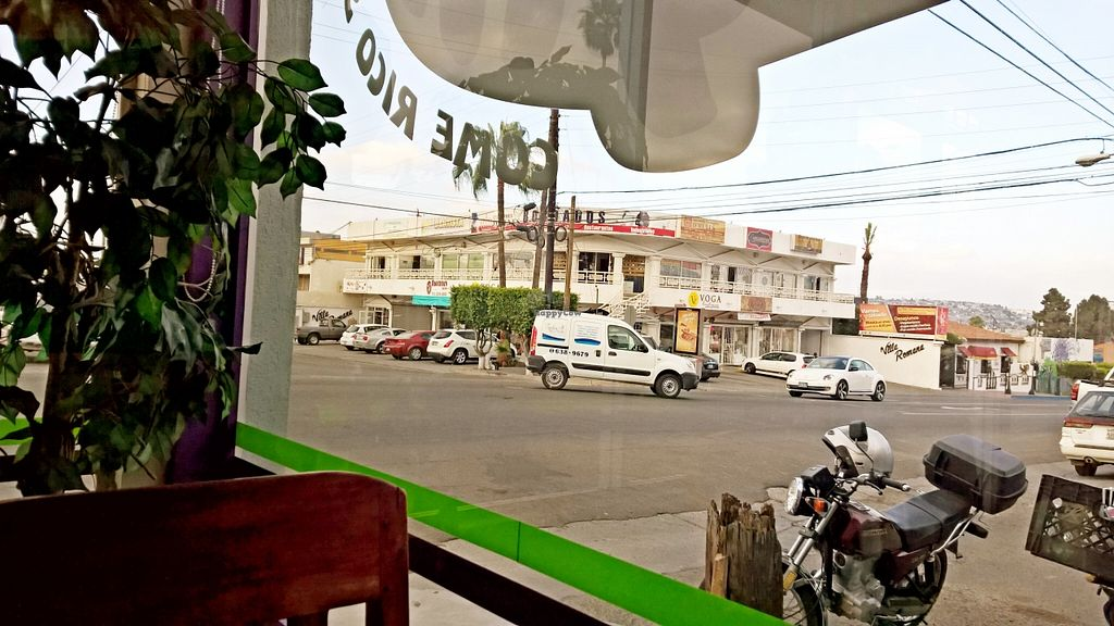 """Photo of Acai Deli and Juice Bar  by <a href=""""/members/profile/bajatrvl656"""">bajatrvl656</a> <br/>view from the window <br/> April 7, 2016  - <a href='/contact/abuse/image/56974/143254'>Report</a>"""