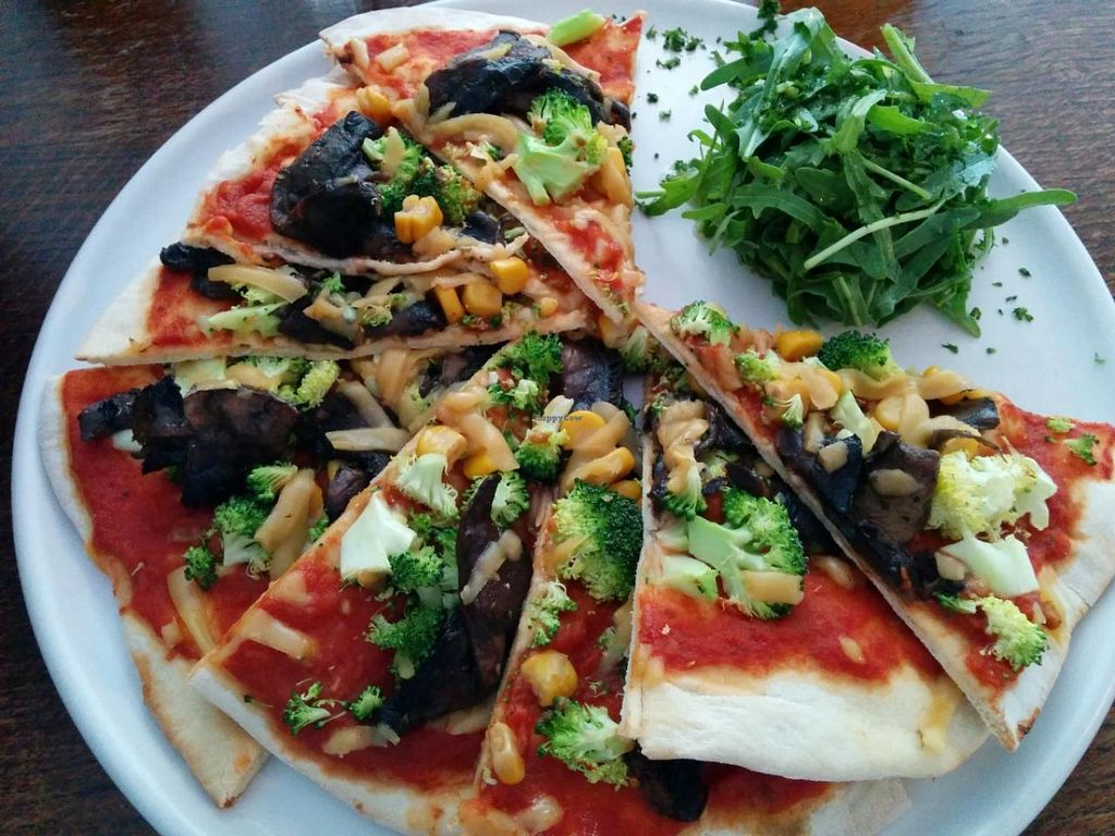 """Photo of CLOSED: Veg Bar  by <a href=""""/members/profile/CLRtraveller"""">CLRtraveller</a> <br/>pizza <br/> June 17, 2015  - <a href='/contact/abuse/image/56985/106225'>Report</a>"""