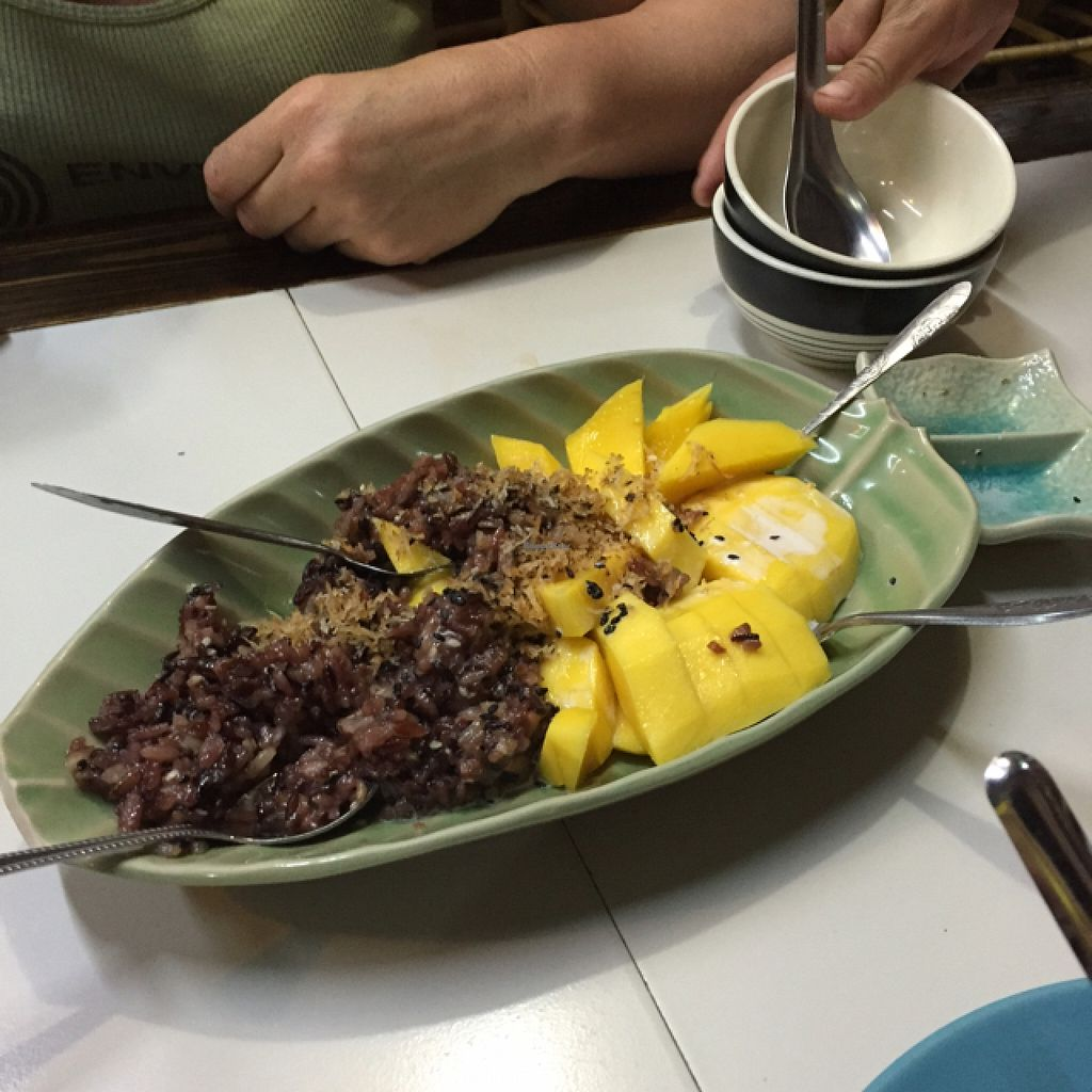 "Photo of CLOSED: Bamboo Bee Vegetarian  by <a href=""/members/profile/GoVeggo"">GoVeggo</a> <br/>SUPER Mango Sticky Rice....Aroy! <br/> September 13, 2015  - <a href='/contact/abuse/image/56995/117552'>Report</a>"