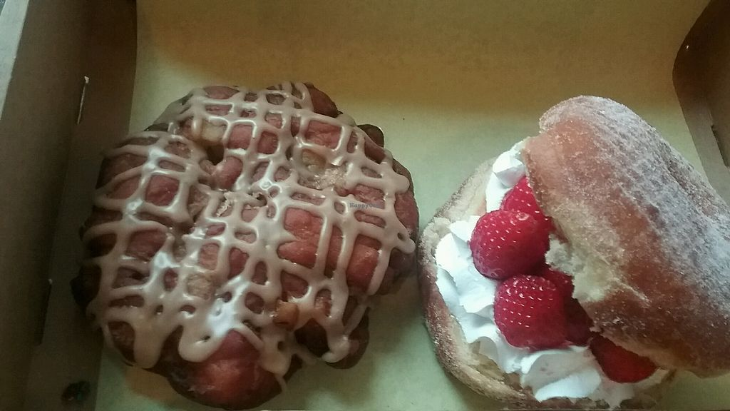 """Photo of Donut Bar  by <a href=""""/members/profile/Zuzubeat"""">Zuzubeat</a> <br/>strawberry and Apple fritter <br/> November 9, 2017  - <a href='/contact/abuse/image/57006/323676'>Report</a>"""