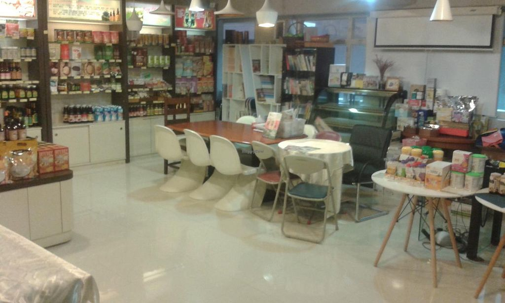 """Photo of Manna Organic Station - Kwun Tong  by <a href=""""/members/profile/Stevie"""">Stevie</a> <br/>Inside <br/> April 20, 2015  - <a href='/contact/abuse/image/57020/99764'>Report</a>"""