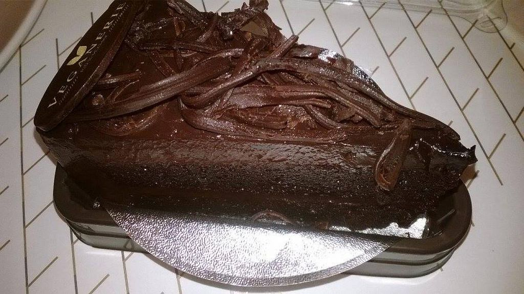 """Photo of Veganerie - EmQuartier  by <a href=""""/members/profile/LilacHippy"""">LilacHippy</a> <br/>Chocolate cake <br/> April 6, 2015  - <a href='/contact/abuse/image/57025/98109'>Report</a>"""