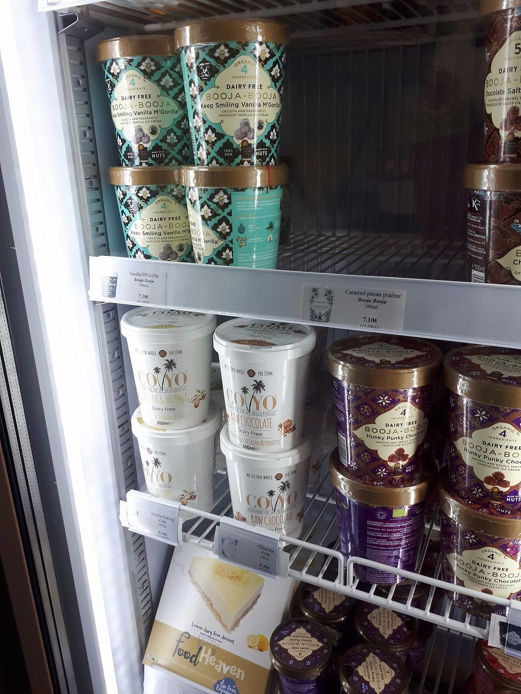 """Photo of Vegetal et Vous  by <a href=""""/members/profile/Tea_and_Sparkles"""">Tea_and_Sparkles</a> <br/>freezer- ice cream and frozen lemon cheezecake! <br/> September 10, 2017  - <a href='/contact/abuse/image/57084/302996'>Report</a>"""