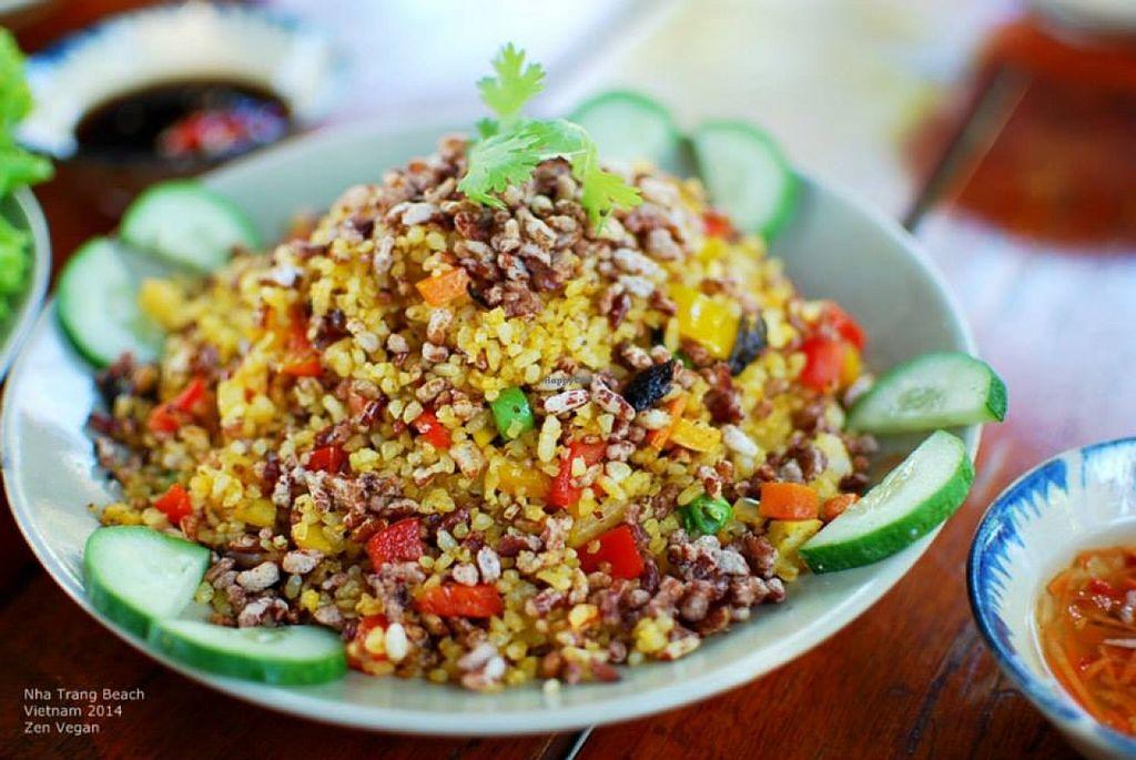 "Photo of Sen Thien Quan  by <a href=""/members/profile/VanVeganHanoi"">VanVeganHanoi</a> <br/>riz complet sauté: cơm lứt rang: sauté brown rice : delicious !  <br/> February 13, 2016  - <a href='/contact/abuse/image/57088/136002'>Report</a>"