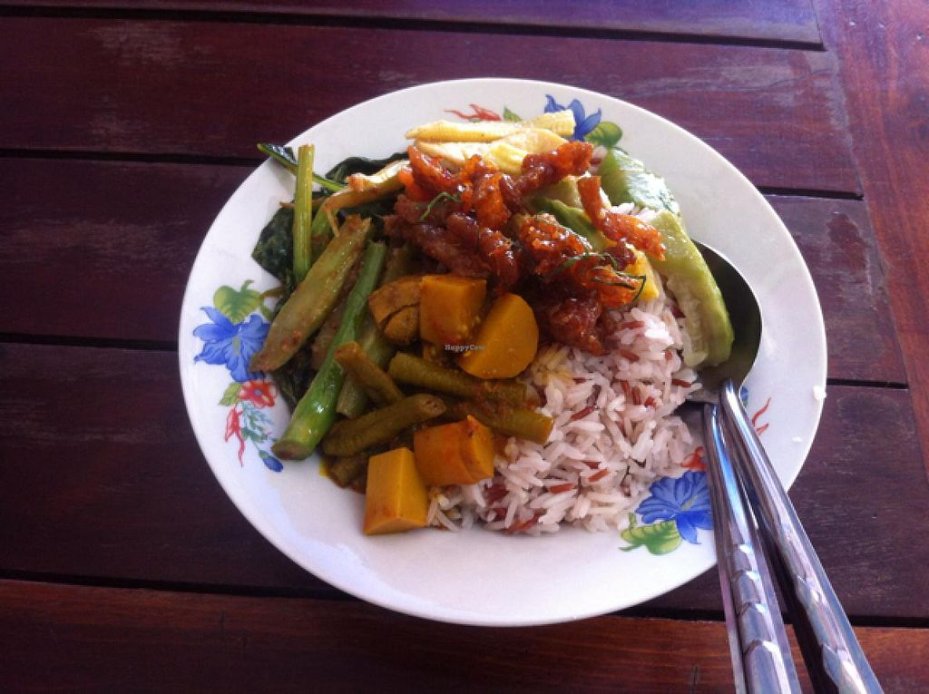 """Photo of Veg Restaurant - Maenam Khwae  by <a href=""""/members/profile/MMaree"""">MMaree</a> <br/>Buffet mix on top of steamed rice <br/> April 4, 2015  - <a href='/contact/abuse/image/57118/97789'>Report</a>"""