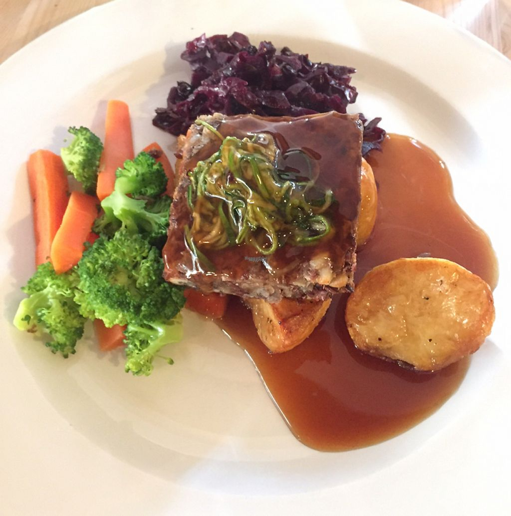 """Photo of Roebuck Inn  by <a href=""""/members/profile/VeganD%21"""">VeganD!</a> <br/>Sunday Nut Roast <br/> January 22, 2017  - <a href='/contact/abuse/image/57290/214544'>Report</a>"""
