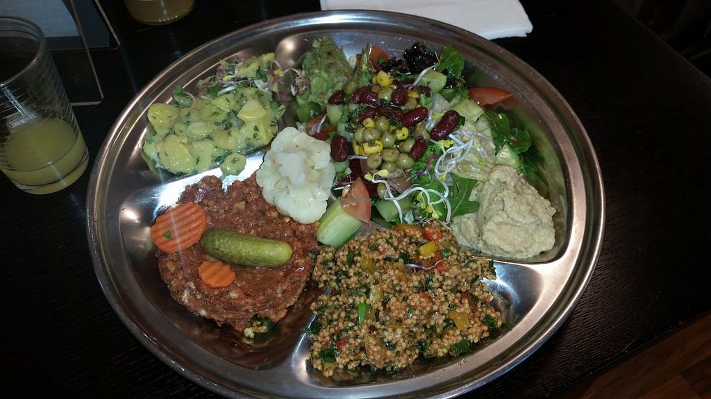 """Photo of CLOSED: Planet Veganus  by <a href=""""/members/profile/autosblindo"""">autosblindo</a> <br/>main dish <br/> May 3, 2015  - <a href='/contact/abuse/image/57291/100998'>Report</a>"""