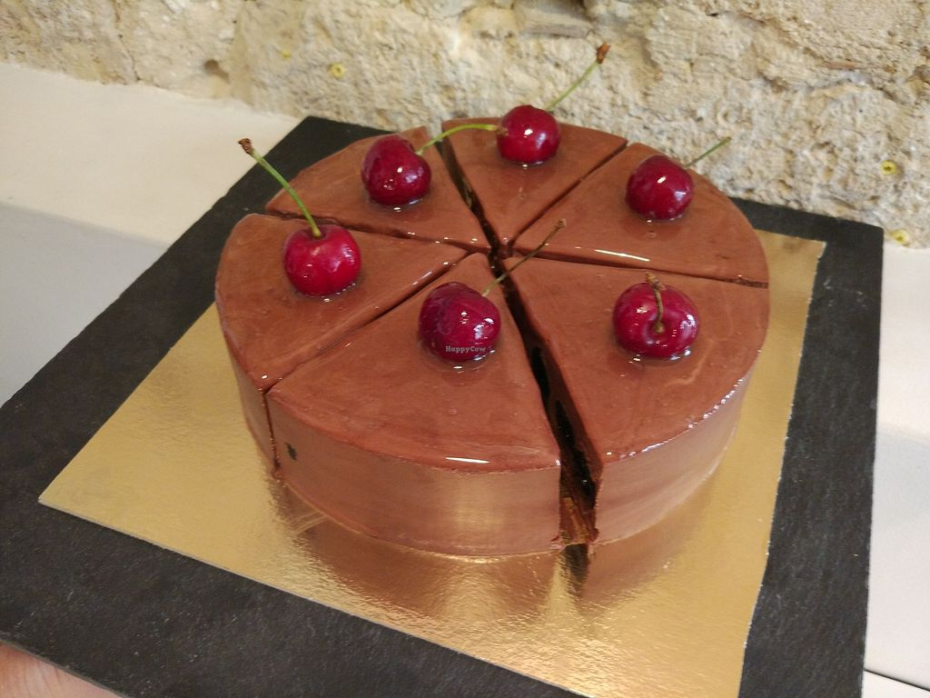 "Photo of Les Demoiselles de Montpellier  by <a href=""/members/profile/Emiliejolie"">Emiliejolie</a> <br/>Chocolate and cherry <br/> February 28, 2018  - <a href='/contact/abuse/image/57292/364835'>Report</a>"