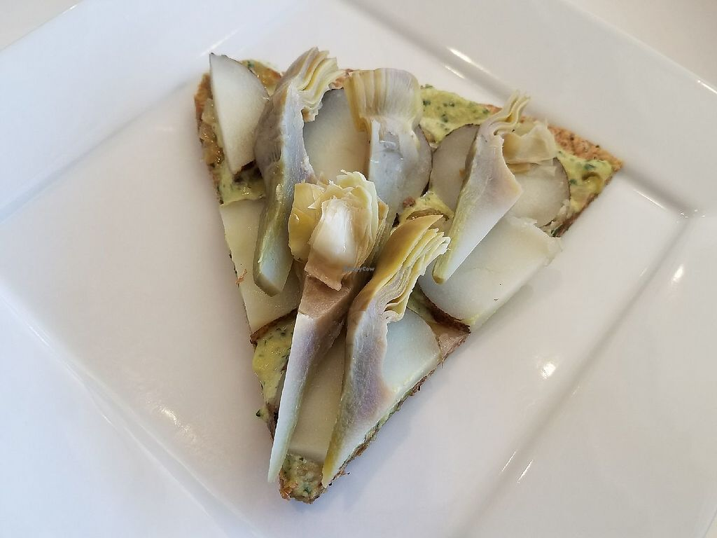 """Photo of LOVJuice  by <a href=""""/members/profile/RoRox"""">RoRox</a> <br/>Artichoke Pizza with a creamy garlic sauce! Yum! <br/> March 16, 2018  - <a href='/contact/abuse/image/57371/371482'>Report</a>"""