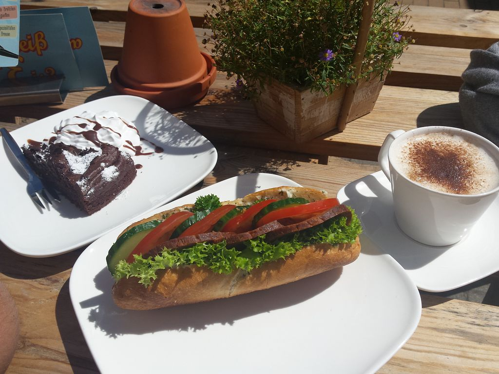 """Photo of Veis  by <a href=""""/members/profile/sweetmalaria"""">sweetmalaria</a> <br/>Baguette, Kuchen und Cappuccino für 7 eur <br/> August 2, 2015  - <a href='/contact/abuse/image/57488/111947'>Report</a>"""