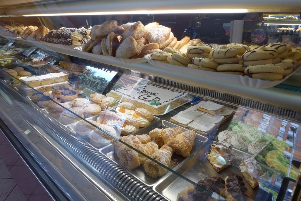 """Photo of Fratelli Piermattei  by <a href=""""/members/profile/Mona%20Muc"""">Mona Muc</a> <br/>great variety of vegan biscuits, cake and pasticceria <br/> October 8, 2015  - <a href='/contact/abuse/image/57673/120618'>Report</a>"""