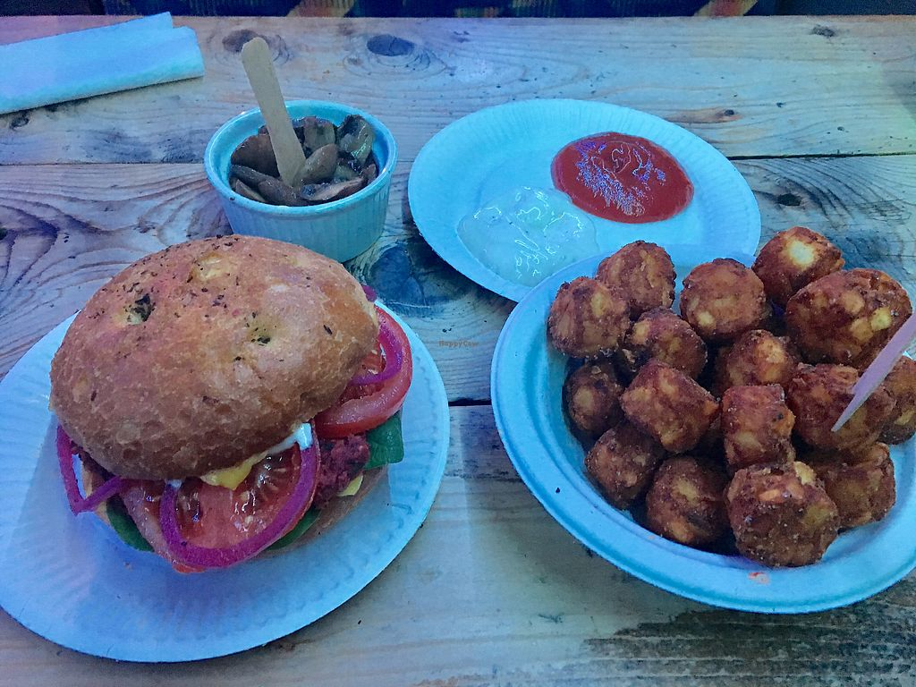 "Photo of Just FaB - Food Bus  by <a href=""/members/profile/Kleeblatt"">Kleeblatt</a> <br/>Unbelieveably delicious Cheese Burger + Tater Tots <br/> January 20, 2018  - <a href='/contact/abuse/image/57709/349070'>Report</a>"